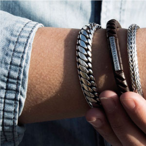 Buddha-to-buddha-sieraden-lederen-armband-kopen-bij-Wolters-Juweliers-Coevorden-Emmen