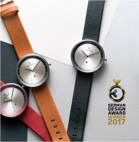 red-dot-design-award-winner-2017-jacob-jensen bij Wolters Juweliers