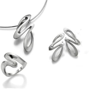 Zilver-Breuning-sieraden-hangers,-ringen,-armbanden-Wolters-Juweliers-Coevorden-Emmen