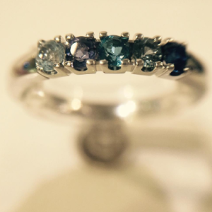 saffieren,-Ioliet-en-topaas-Diamond-ring-Wolters-Juweliers-Coevorden-Emmen