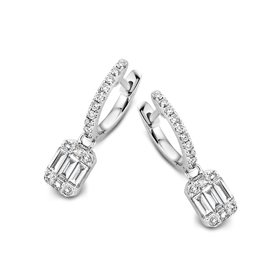 Diamanten oorbellen excellent jewelry bij Wolters Juweliers Coevorden Emmen